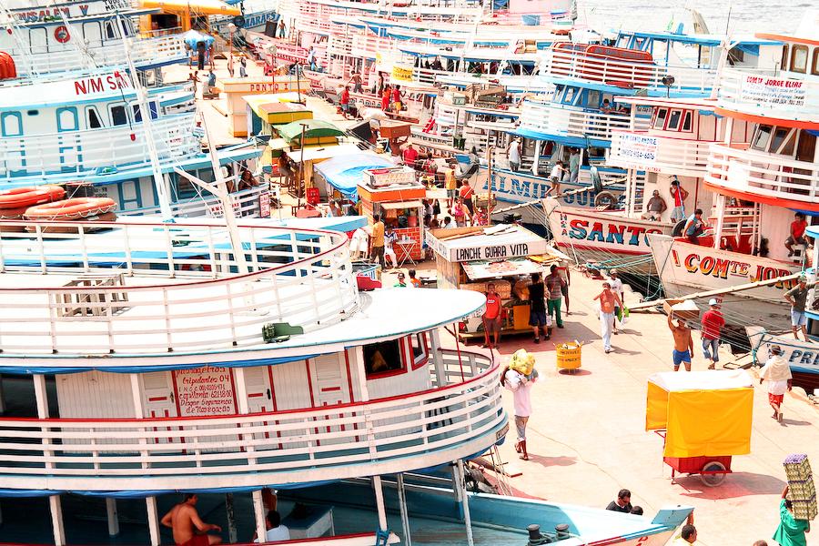 Brésil, port de Manaus, Amazonie, janvier 2006