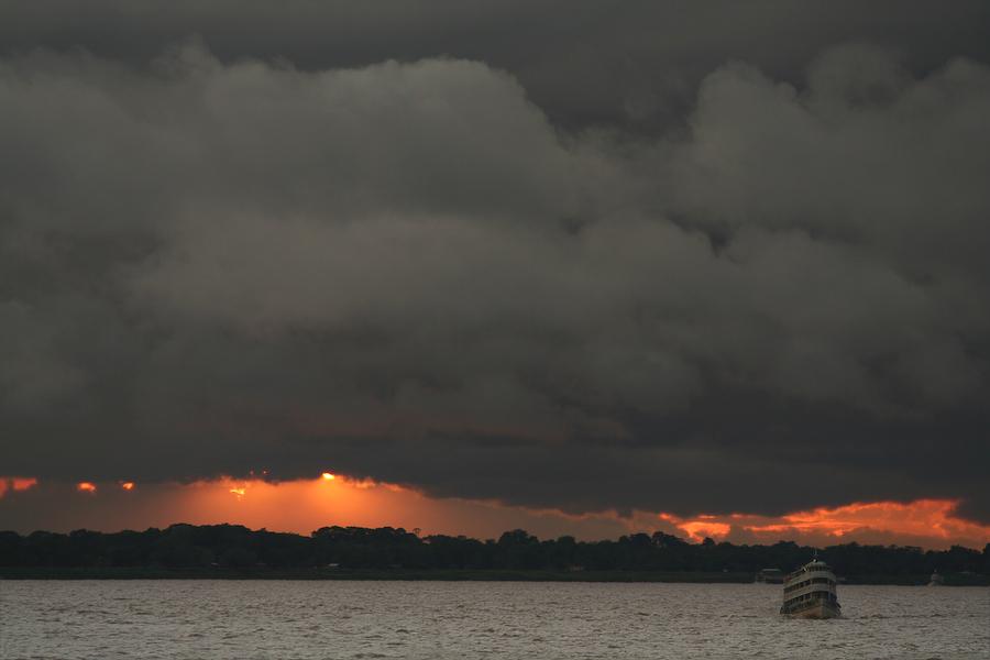 Brésil, sur le fleuve Amazone, janvier 2006