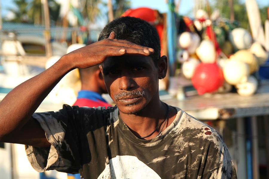 Sri Lanka, côte méridionale, pécheur, août 2006