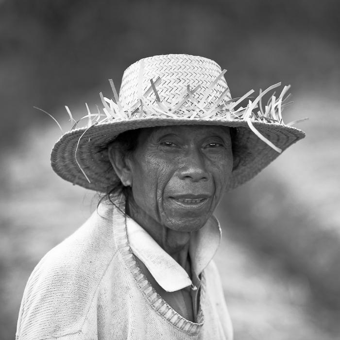 Indonésie, Bali, région d'Amed, portrait de paysan, août 2009