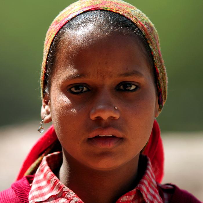 Inde, Agra, portrait d'écolière, février 2008