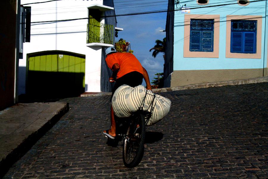 Brésil, Olinda, le cycliste, janvier 2006