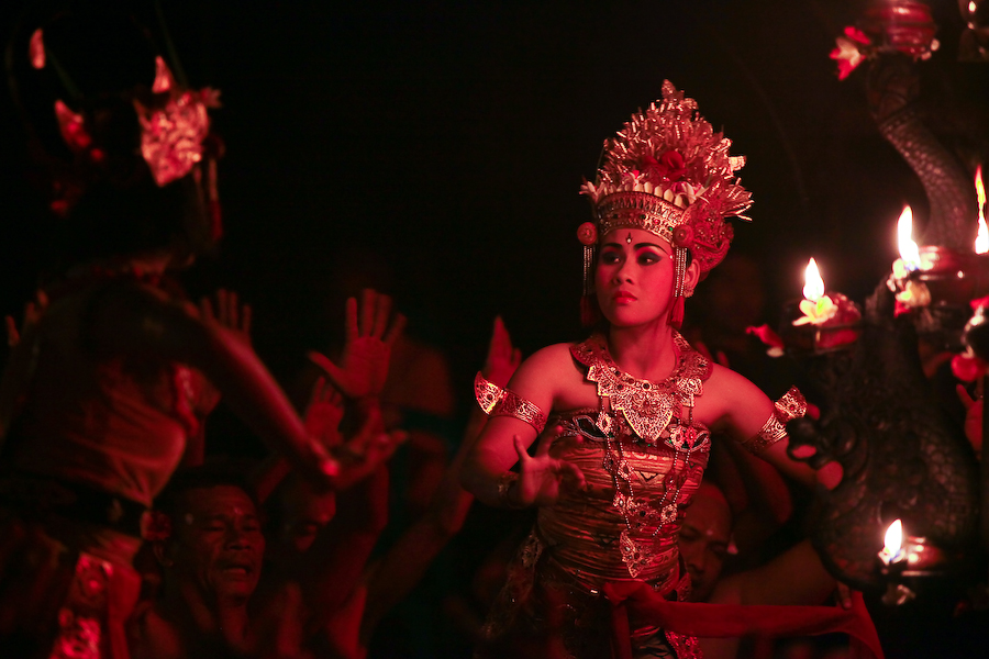 Indonésie, Bali, Ubud, Kecak Dance, septembre 2009